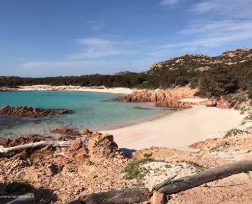 vacanze in barca a vela con skipper Sardegna spiaggia rosa